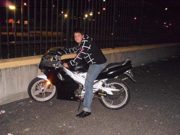 vendo TZR YAMAHA 6 velocidades (400 euros negociables)