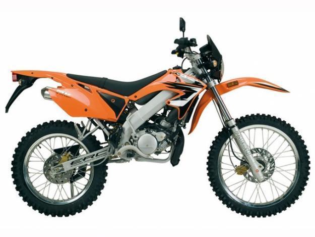 Se vende Motor-Hispania RYZ Enduro 50 c.c.