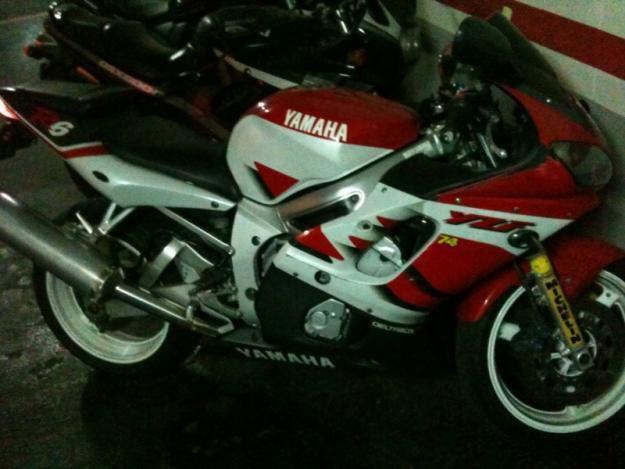 Yamaha YZF R6 00'