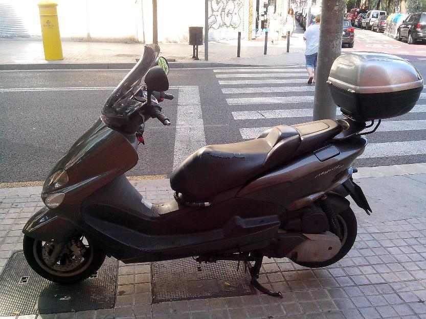 Yamaha Majesty YP 180