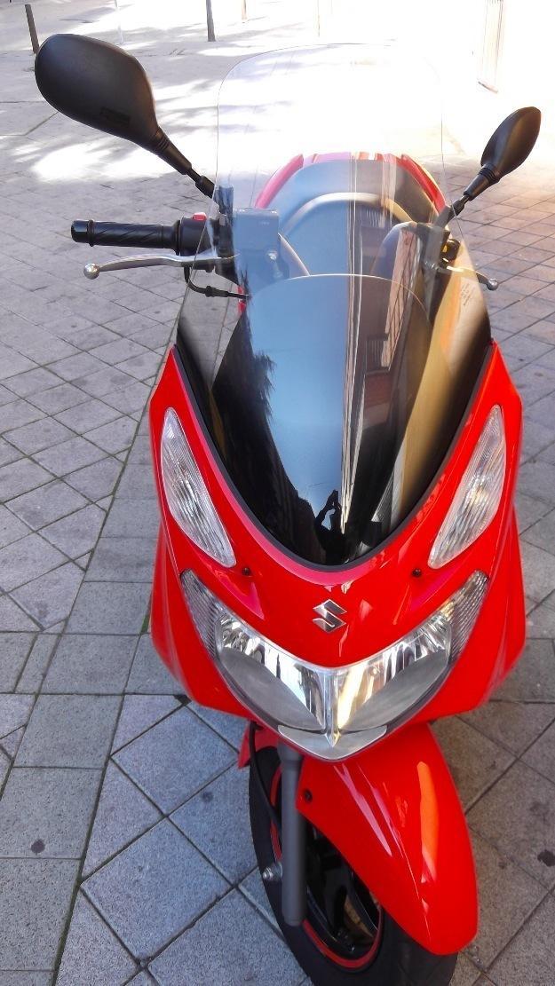 Moto burgman 125 cc