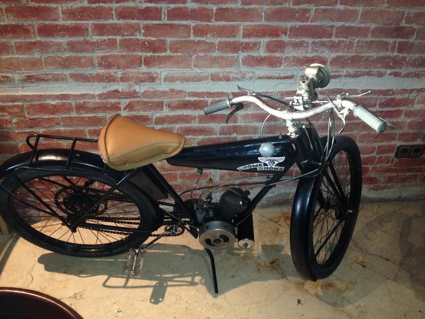 Moto antigua en perfecto estado y funcionando